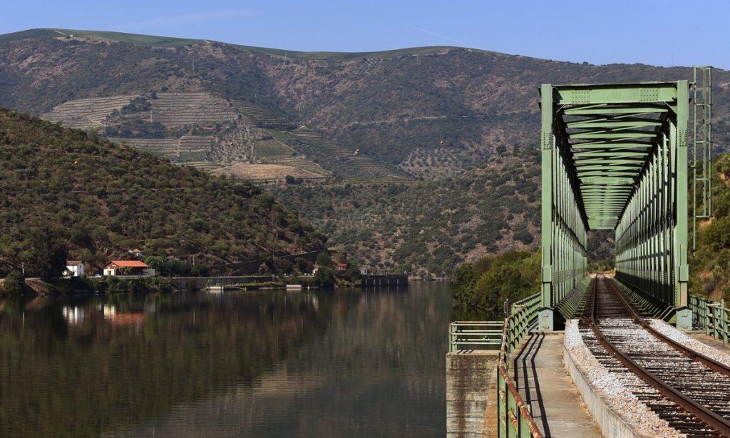 Linha do Douro, ponte de Ferradosa