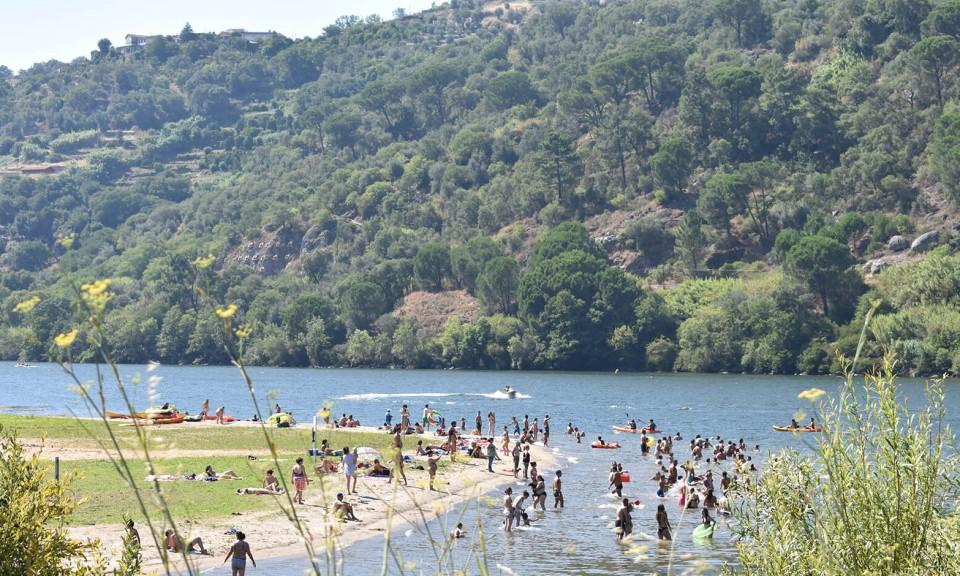 As 5 melhores praias fluviais do Douro: Porto de Rei, Resende - Rota do Douro